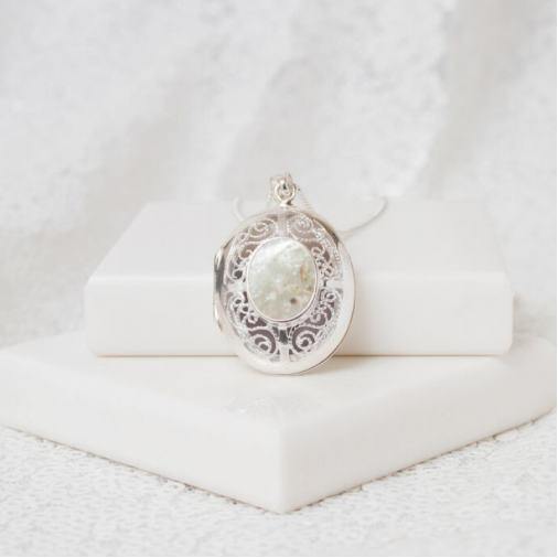 Filigree Oval Locket - Silver