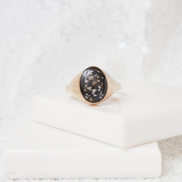 Signet Ring - Gold